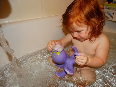 Nuby|| Octopus Bath time toss { Review + giveaway }